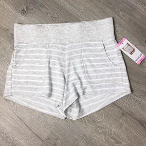 Active Life Comfy Shorts Size Small